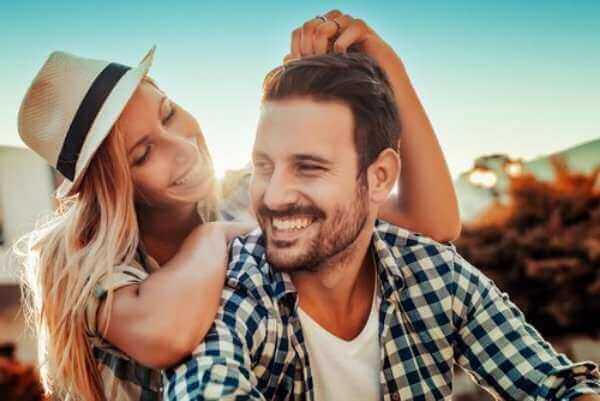 Как привлечь парня: 10 советов