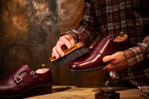Как ухаживать за кожаной обувью и хранить ее в домашних условиях